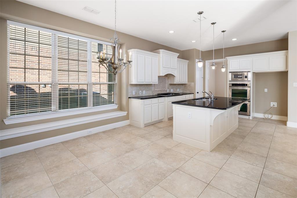 935 Pine Burst  Drive, Allen, Texas 75013 - acquisto real estate best listing agent in the nation shana acquisto estate realtor