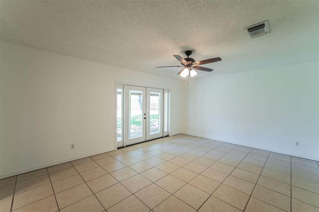 104 Mountain Valley Boulevard, Joshua, Texas 76058 - acquisto real estate best luxury buyers agent in texas shana acquisto inheritance realtor
