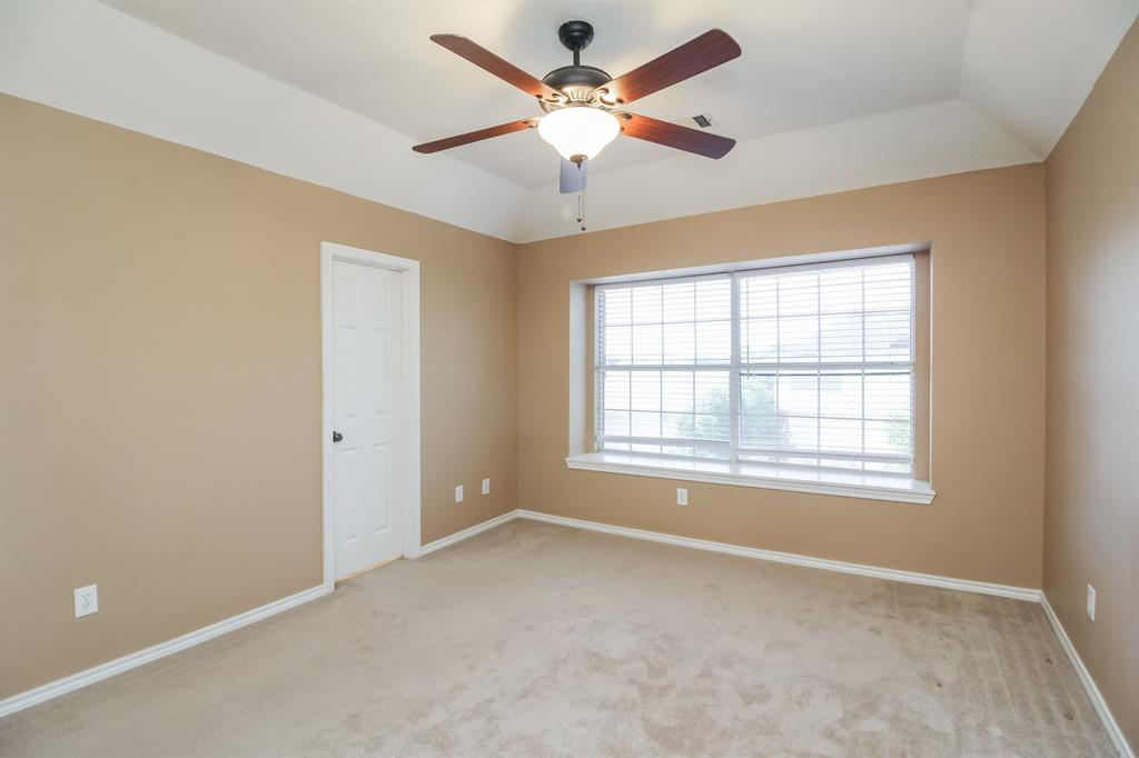 1453 Ridgecreek  Drive, Lewisville, Texas 75067 - acquisto real estate best highland park realtor amy gasperini fast real estate service