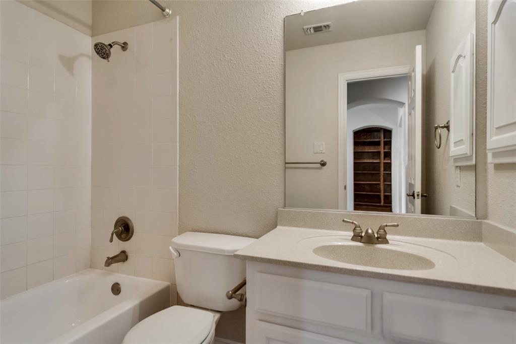 2216 Brenham  Drive, McKinney, Texas 75072 - acquisto real estate best realtor foreclosure real estate mike shepeherd walnut grove realtor