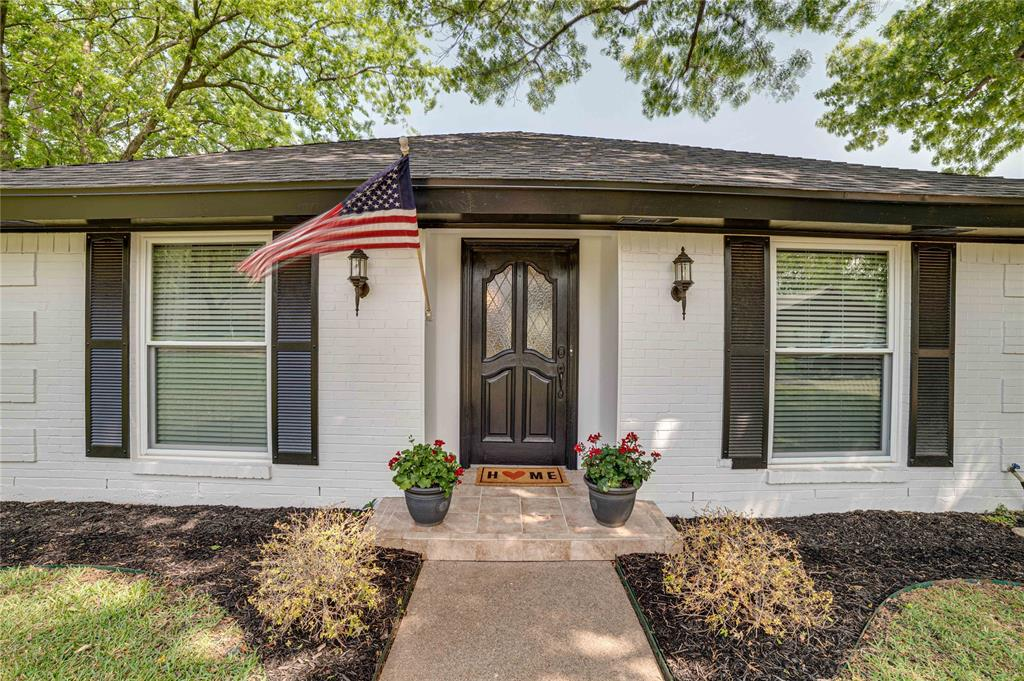 2426 Sherwood  Drive, Grand Prairie, Texas 75050 - Acquisto Real Estate best plano realtor mike Shepherd home owners association expert