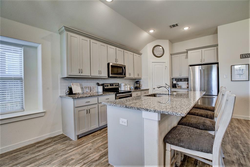 3920 Madison Lane, Denton, Texas 76208 - acquisto real estate best designer and realtor hannah ewing kind realtor