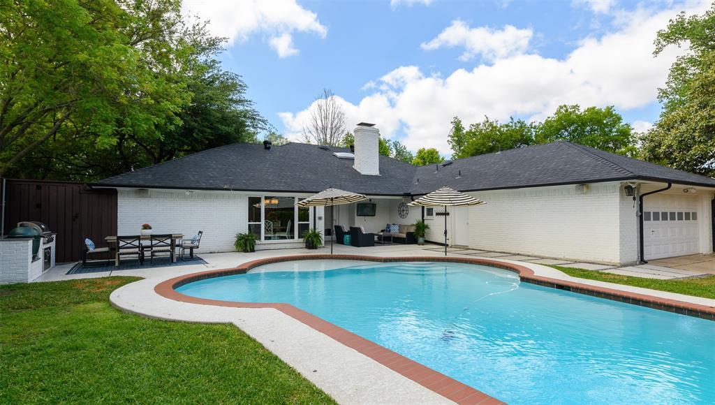 6807 Truxton  Drive, Dallas, Texas 75231 - acquisto real estate best realtor dfw jody daley liberty high school realtor