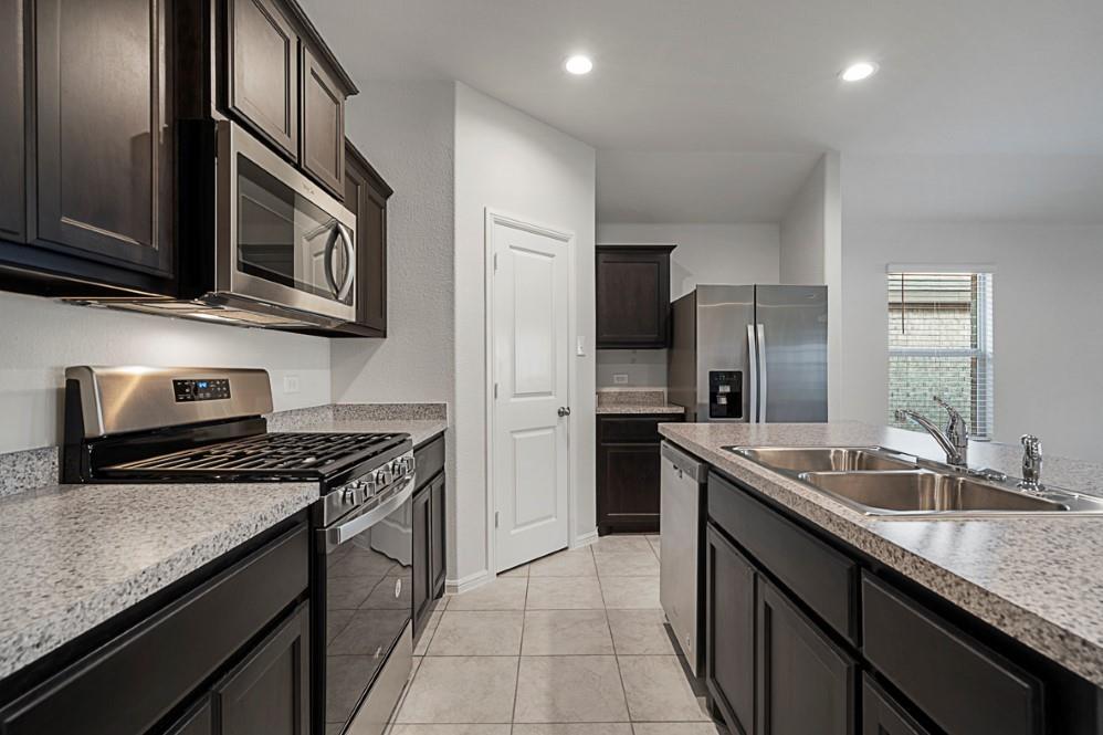 9324 HERRINGBONE  Drive, Fort Worth, Texas 76131 - acquisto real estate best prosper realtor susan cancemi windfarms realtor