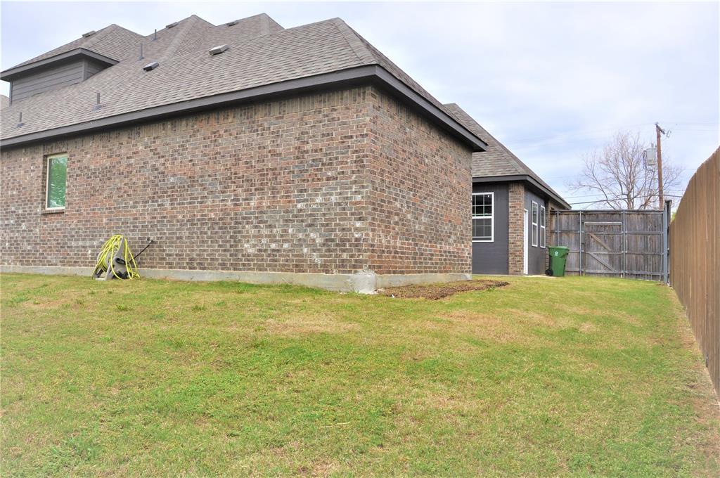2606 Kuykendall Drive, Arlington, Texas 76001 - acquisto real estate mvp award real estate logan lawrence