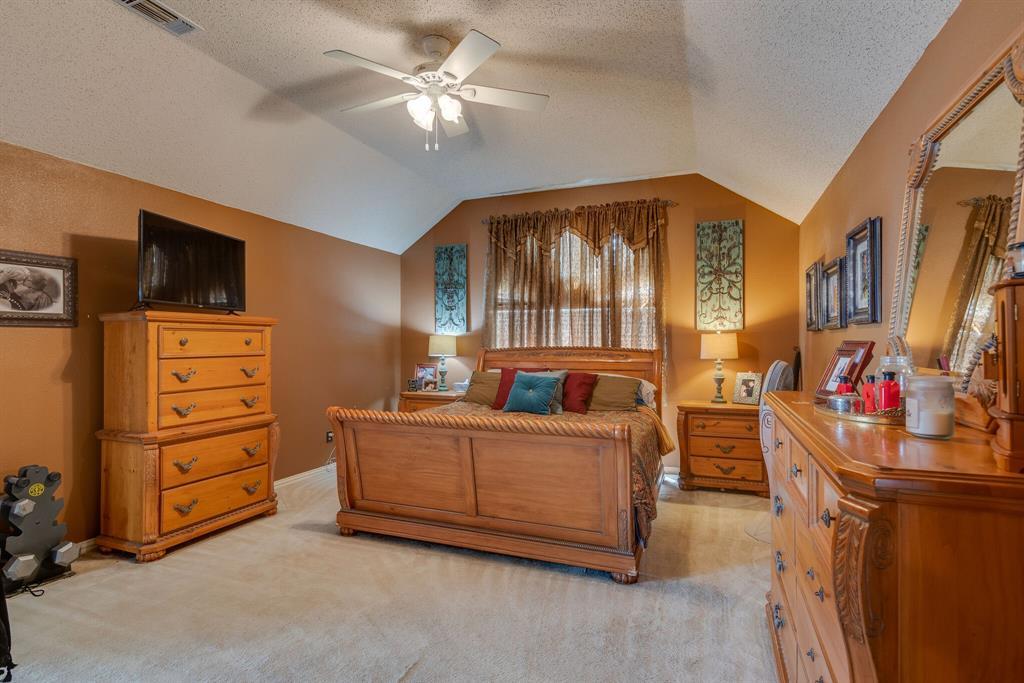110 Crestwood  Lane, Springtown, Texas 76082 - acquisto real estate best celina realtor logan lawrence best dressed realtor