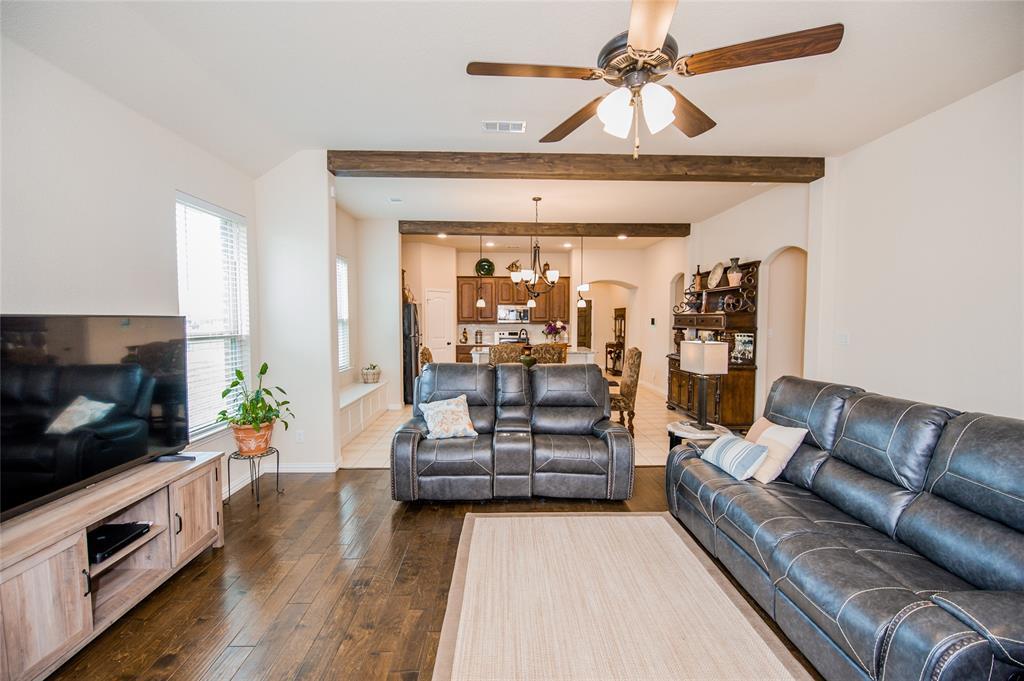 1604 Pacific Avenue, Ennis, Texas 75119 - acquisto real estate best designer and realtor hannah ewing kind realtor