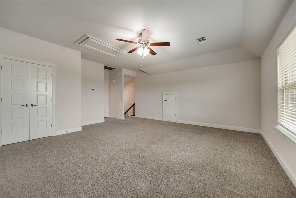 6101 Brunswick  Drive, Aubrey, Texas 75009 - acquisto real estate best realtor foreclosure real estate mike shepeherd walnut grove realtor
