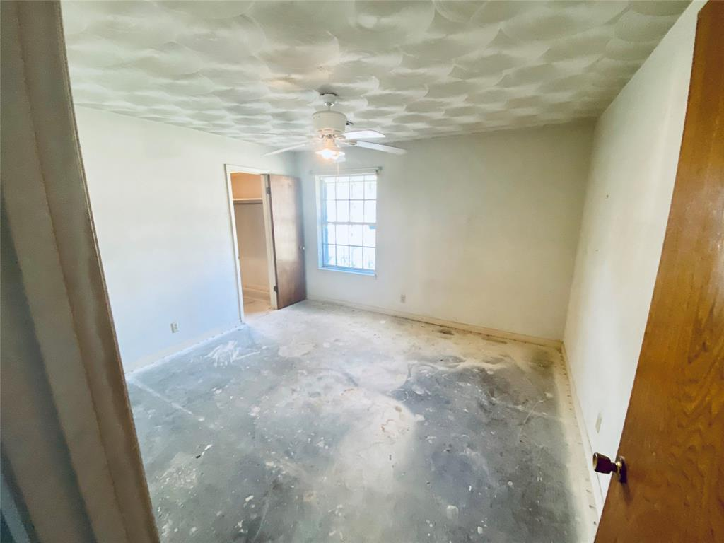 5640 Trailwood  Drive, Dallas, Texas 75241 - acquisto real estate best the colony realtor linda miller the bridges real estate