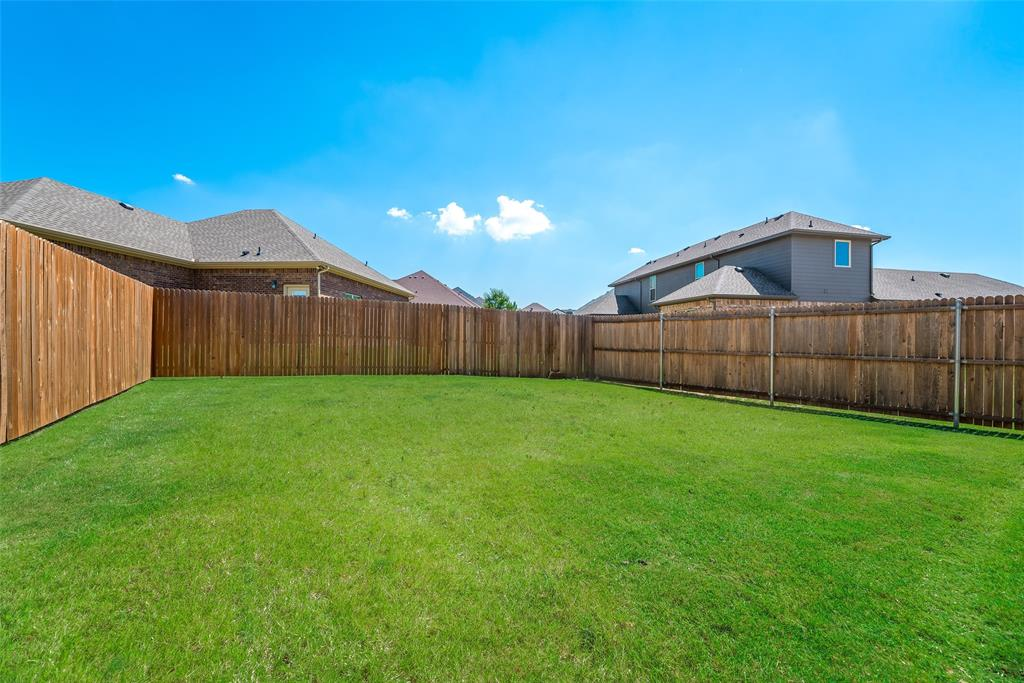 1016 Skyview  Court, Midlothian, Texas 76065 - acquisto real estate best negotiating realtor linda miller declutter realtor