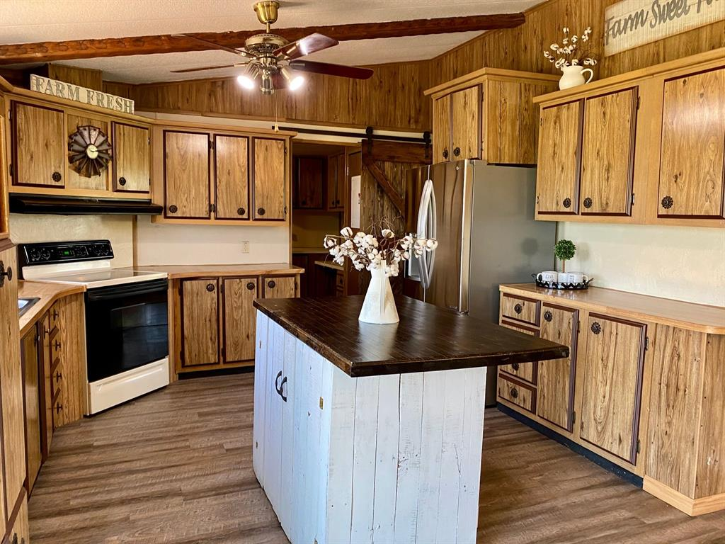 1524 County Road 1107b  Cleburne, Texas 76031 - acquisto real estate best real estate company to work for
