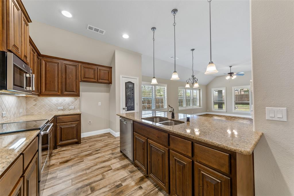 1999 Mercer  Lane, Princeton, Texas 75407 - acquisto real estate best real estate company in frisco texas real estate showings