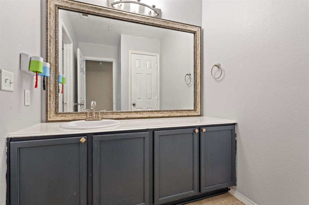 2212 Stoneleigh Place, McKinney, Texas 75071 - acquisto real estate best realtor westlake susan cancemi kind realtor of the year