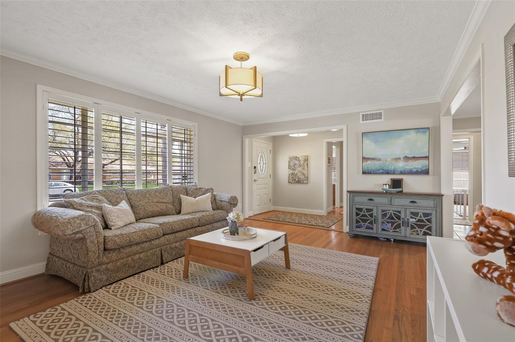 6222 Crestmont Drive, Dallas, Texas 75214 - acquisto real estate best the colony realtor linda miller the bridges real estate