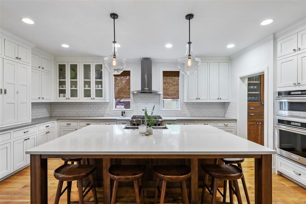 560 Northlake  Drive, Dallas, Texas 75218 - acquisto real estate best designer and realtor hannah ewing kind realtor