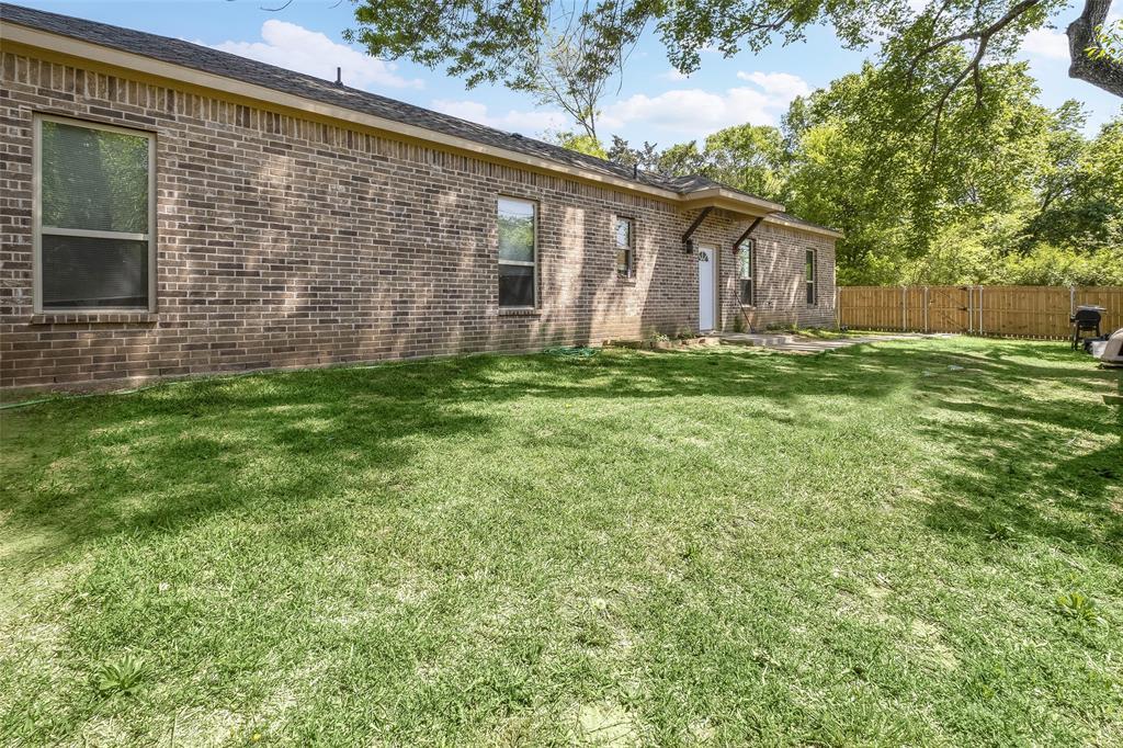 8102 Suetelle  Drive, Dallas, Texas 75217 - acquisto real estate best realtor westlake susan cancemi kind realtor of the year
