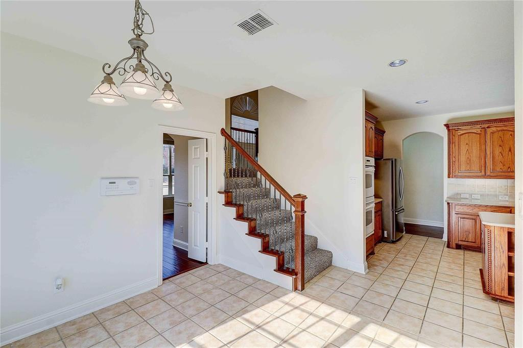 8910 Forest Hills Drive, Irving, Texas 75063 - acquisto real estate best realtor foreclosure real estate mike shepeherd walnut grove realtor