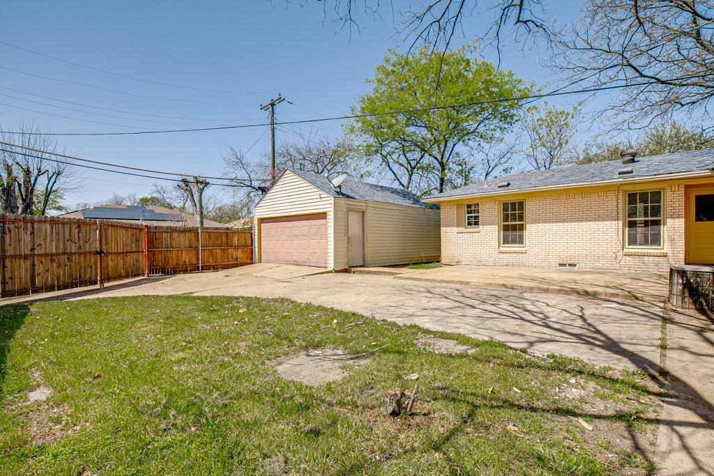 2015 Shortal Street, Dallas, Texas 75217 - acquisto real estate best realtor dfw jody daley liberty high school realtor