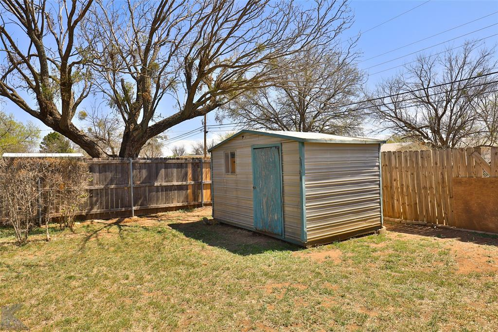 2909 21st  Street, Abilene, Texas 79605 - acquisto real estate best relocation company in america katy mcgillen