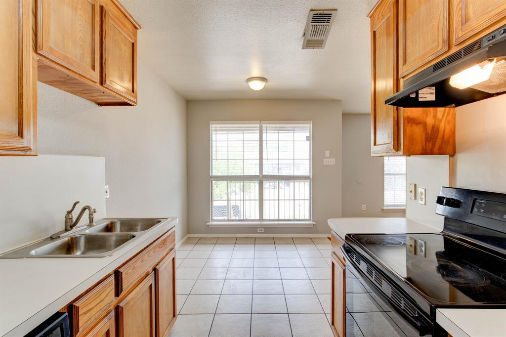 609 Race  Street, Crowley, Texas 76036 - acquisto real estate best luxury buyers agent in texas shana acquisto inheritance realtor