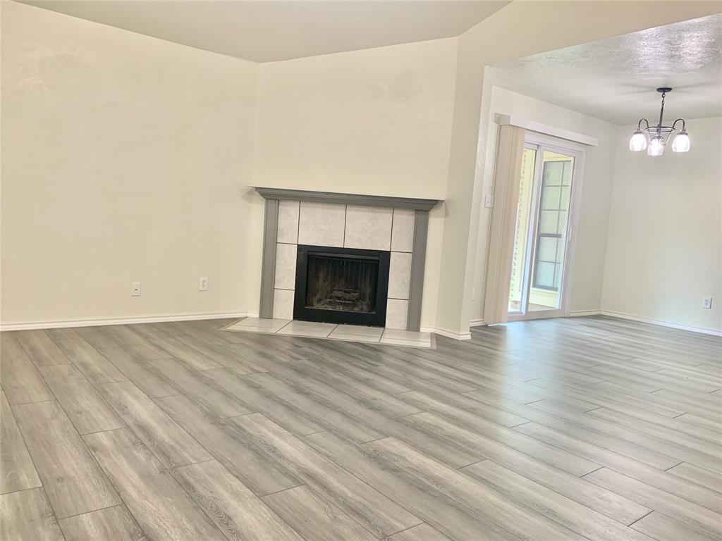 312 Navarro  Lane, Grand Prairie, Texas 75052 - Acquisto Real Estate best plano realtor mike Shepherd home owners association expert