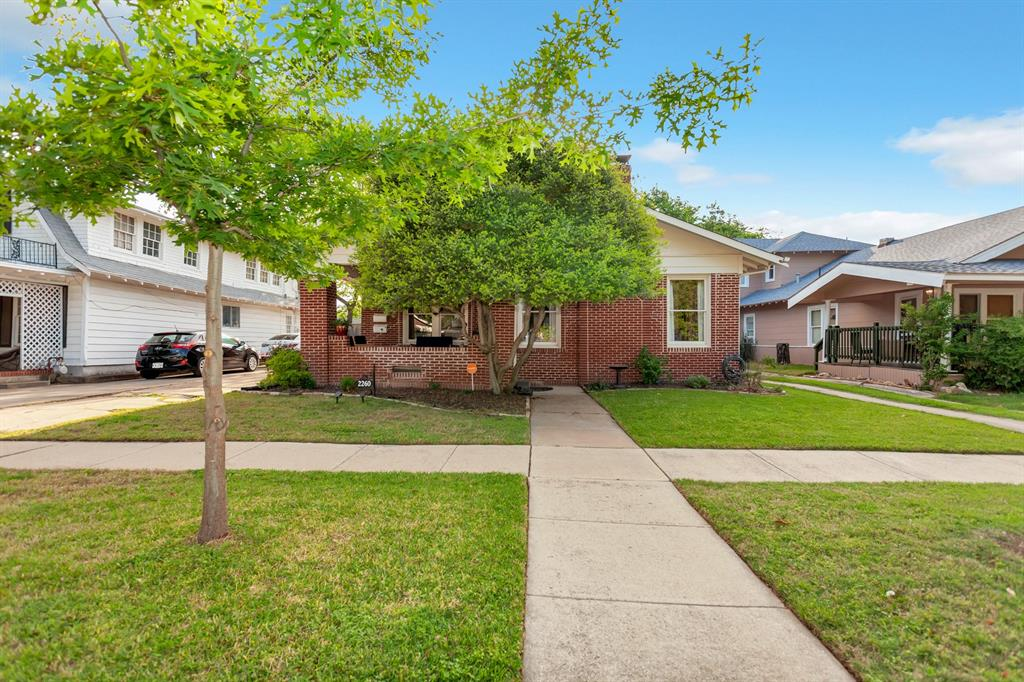 2260 Fairmount  Avenue, Fort Worth, Texas 76110 - Acquisto Real Estate best plano realtor mike Shepherd home owners association expert