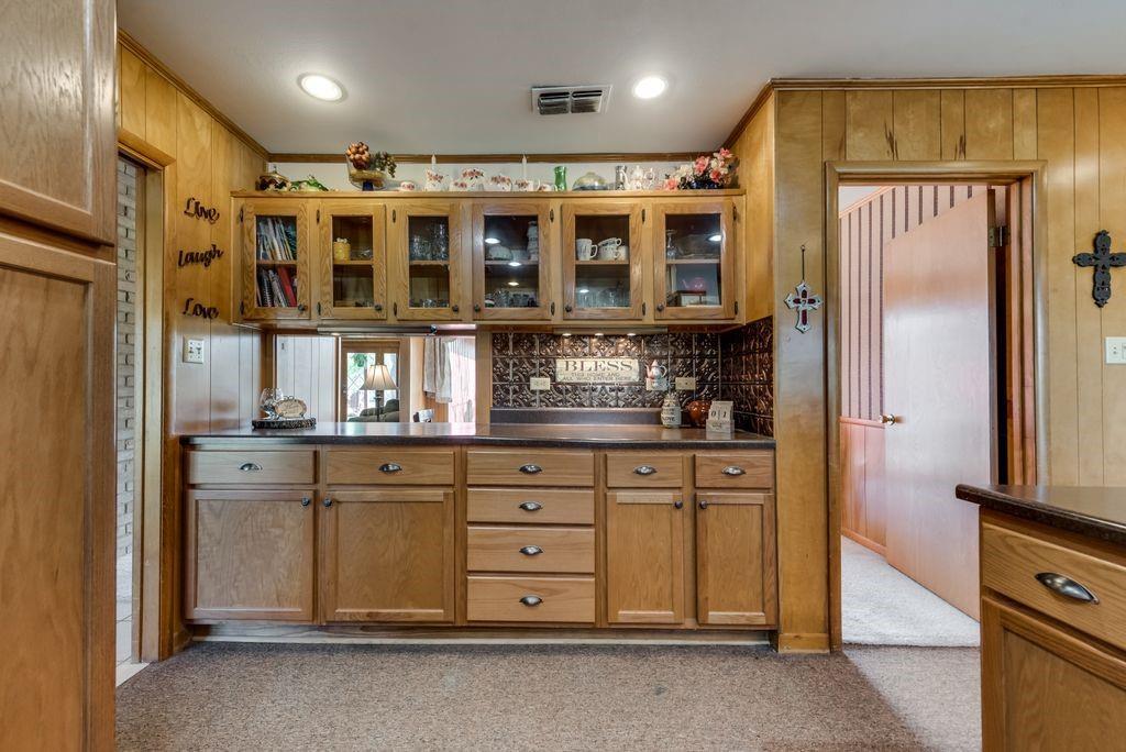 221 Laurel Lane, Fairfield, Texas 75840 - acquisto real estate best investor home specialist mike shepherd relocation expert