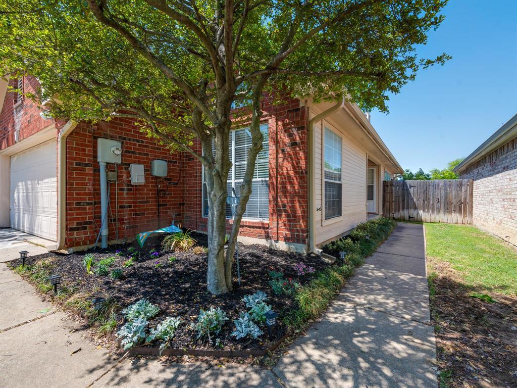 912 Azalia  Drive, Lewisville, Texas 75067 - acquisto real estate best allen realtor kim miller hunters creek expert