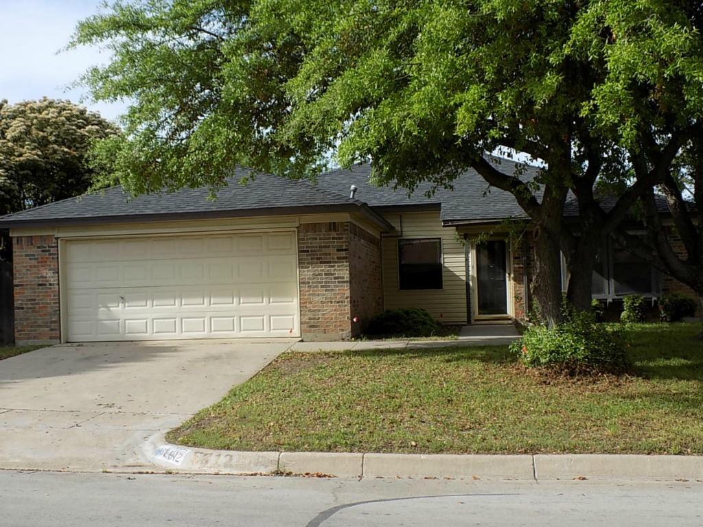 5812 Fair Wind  Street, Fort Worth, Texas 76135 - Acquisto Real Estate best plano realtor mike Shepherd home owners association expert