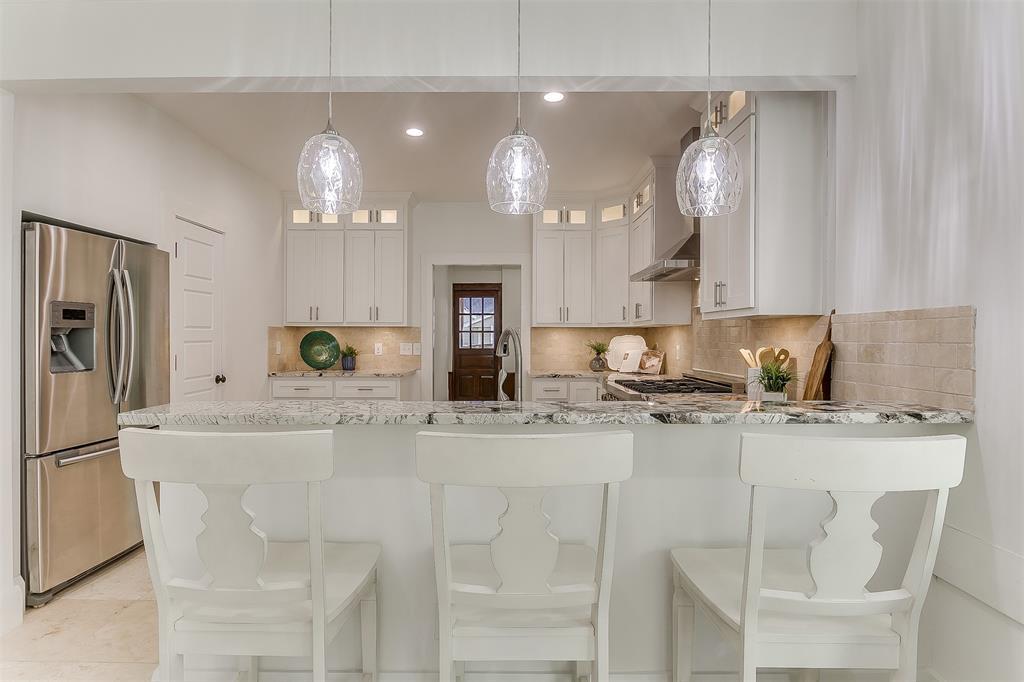 415 Featherston  Street, Cleburne, Texas 76033 - acquisto real estate best luxury buyers agent in texas shana acquisto inheritance realtor