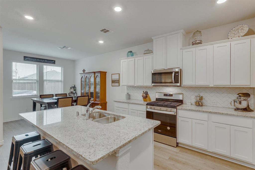 6313 Crownmere  Drive, Aubrey, Texas 76227 - acquisto real estate best style realtor kim miller best real estate reviews dfw