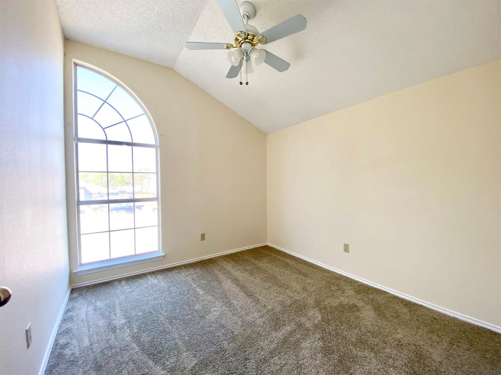 8804 Crestbrook Drive, Fort Worth, Texas 76179 - acquisto real estate best realtor dallas texas linda miller agent for cultural buyers