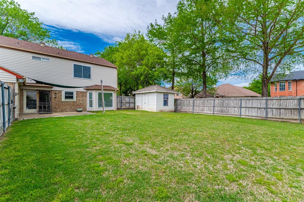 2246 Villawood  Lane, Garland, Texas 75040 - acquisto real estate best realtor foreclosure real estate mike shepeherd walnut grove realtor