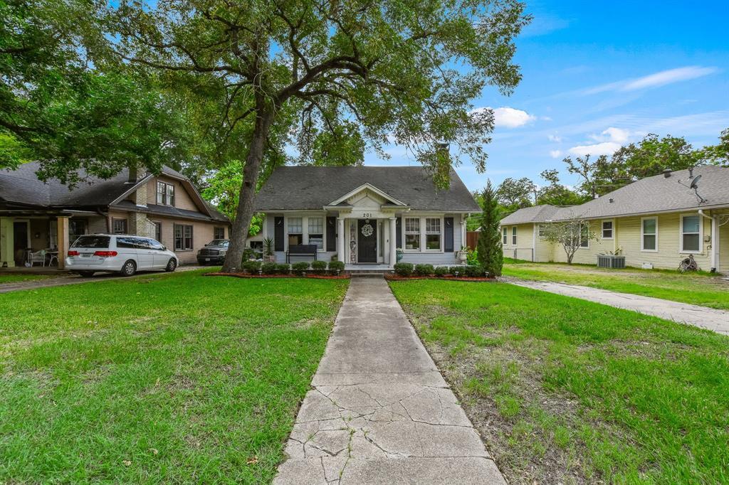 201 Pecan  Street, Terrell, Texas 75160 - acquisto real estate best allen realtor kim miller hunters creek expert