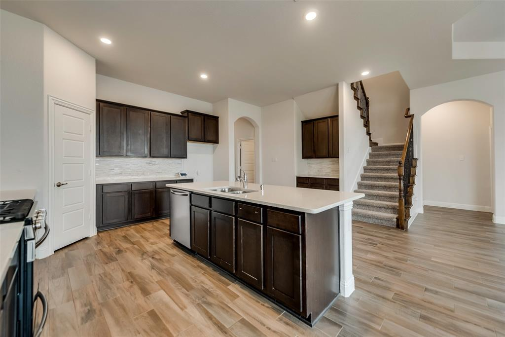 6101 Brunswick  Drive, Aubrey, Texas 75009 - acquisto real estate best real estate company to work for