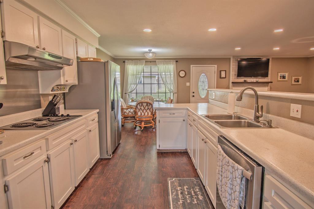 104 Oak Lane, Burleson, Texas 76028 - acquisto real estate best highland park realtor amy gasperini fast real estate service