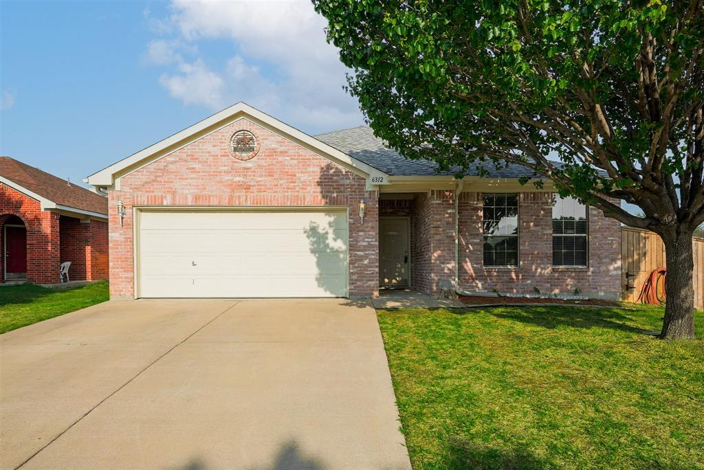6312 Seal  Cove, Fort Worth, Texas 76179 - Acquisto Real Estate best plano realtor mike Shepherd home owners association expert
