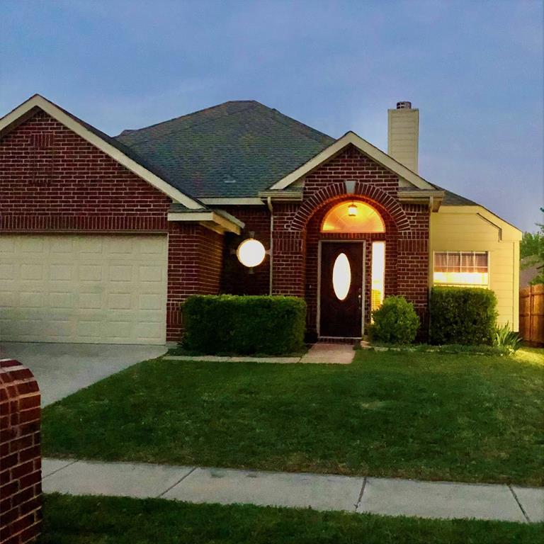 660 Crystal Brook  Drive, Saginaw, Texas 76179 - acquisto real estate best negotiating realtor linda miller declutter realtor