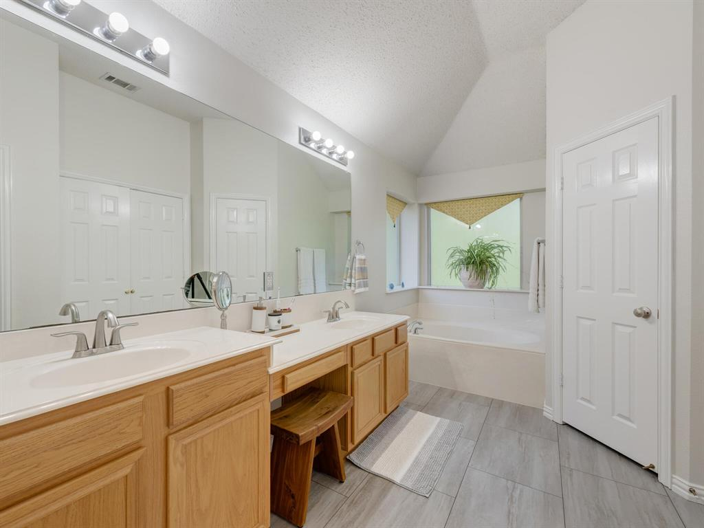 311 Cottonwood  Trail, Shady Shores, Texas 76208 - acquisto real estate best photo company frisco 3d listings