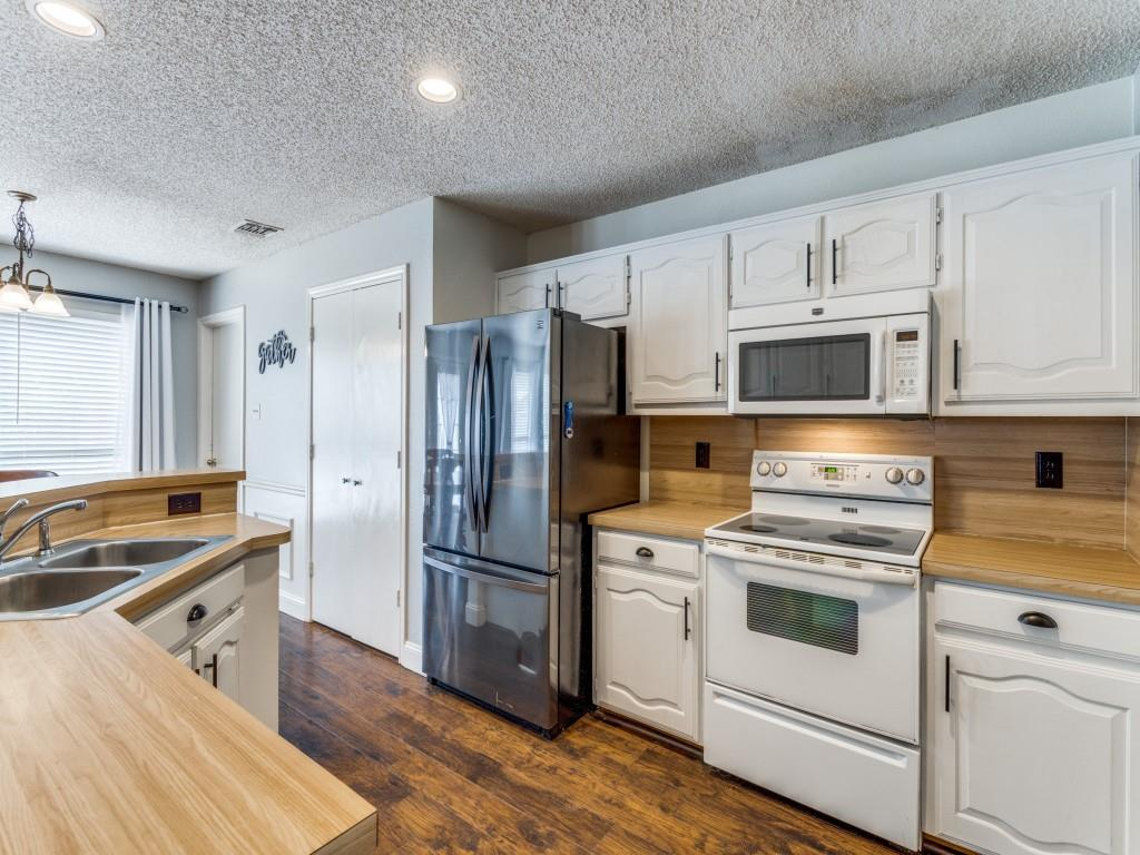 2038 Greenstone  Trail, Carrollton, Texas 75010 - acquisto real estate best highland park realtor amy gasperini fast real estate service