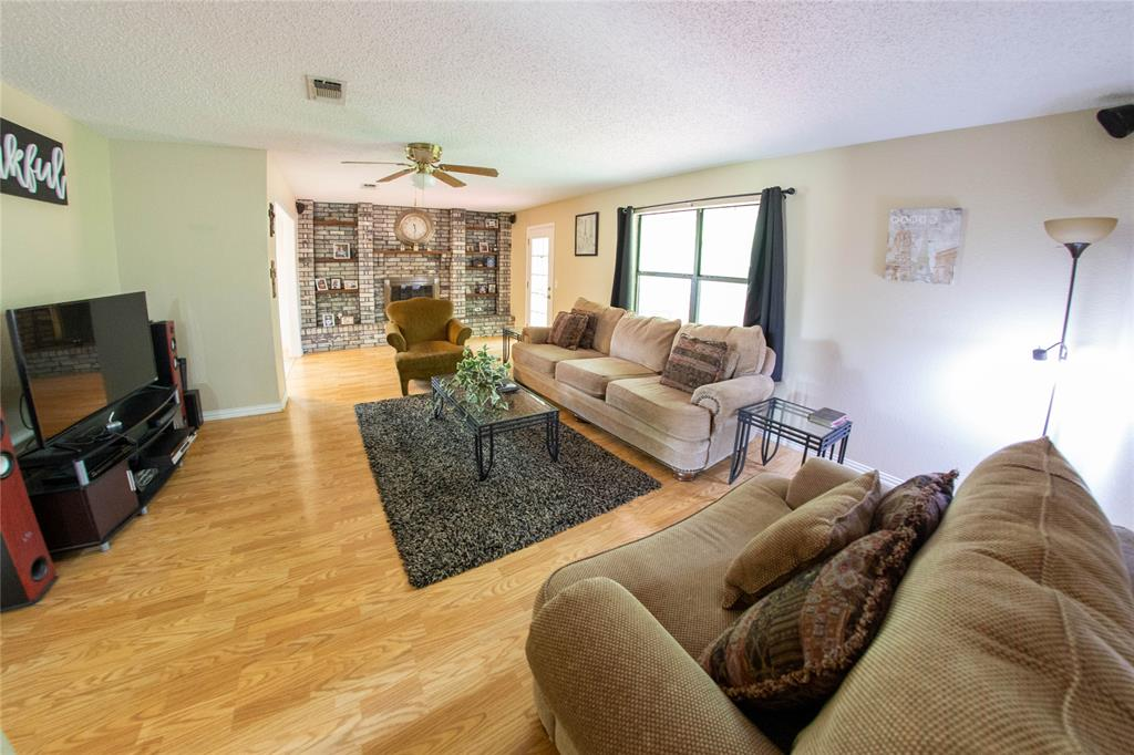 208 Turtle Creek  Reno, Texas 75462 - acquisto real estate best real estate company to work for