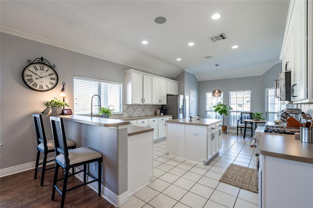 1700 Azalea Drive, Savannah, Texas 76227 - acquisto real estate best real estate company to work for