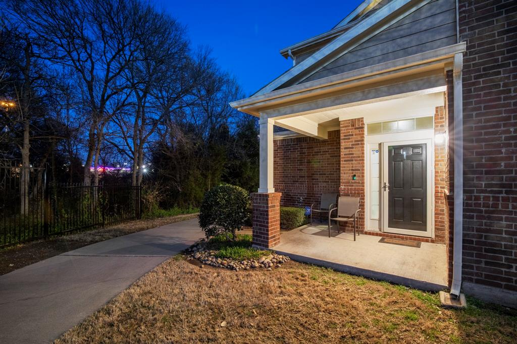 2212 Stoneleigh Place, McKinney, Texas 75071 - acquisto real estate mvp award real estate logan lawrence