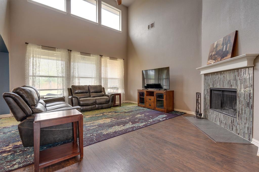340 Cedar Crest  Drive, Justin, Texas 76247 - acquisto real estate best highland park realtor amy gasperini fast real estate service