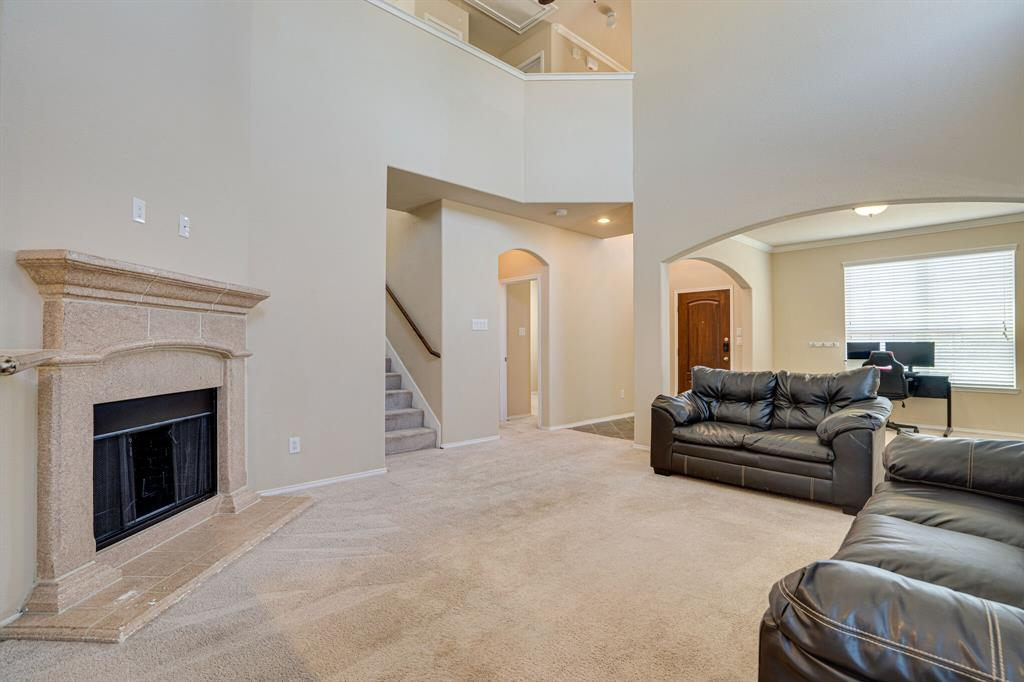 9101 Holliday  Lane, Aubrey, Texas 76227 - acquisto real estate best celina realtor logan lawrence best dressed realtor