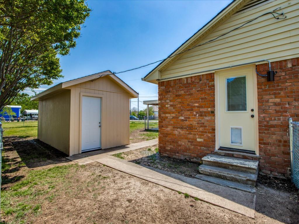 500 5th  Street, Gunter, Texas 75058 - acquisto real estate best realtor dallas texas linda miller agent for cultural buyers