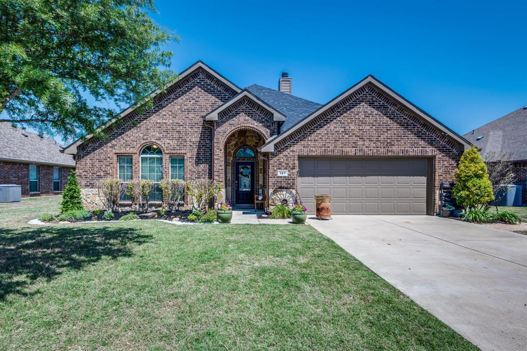127 Sumac  Drive, Waxahachie, Texas 75165 - Acquisto Real Estate best plano realtor mike Shepherd home owners association expert
