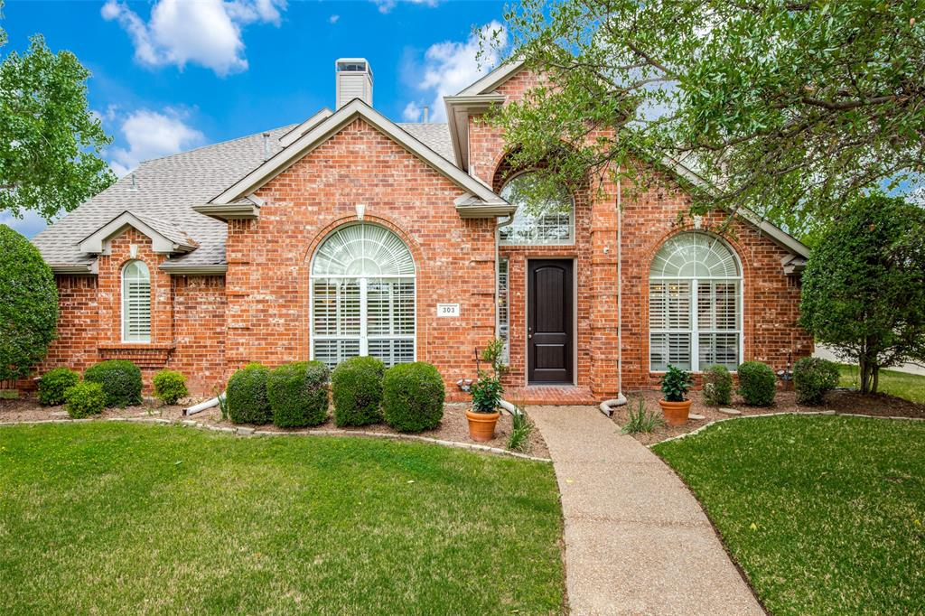 303 Hampton  Court, Coppell, Texas 75019 - Acquisto Real Estate best plano realtor mike Shepherd home owners association expert