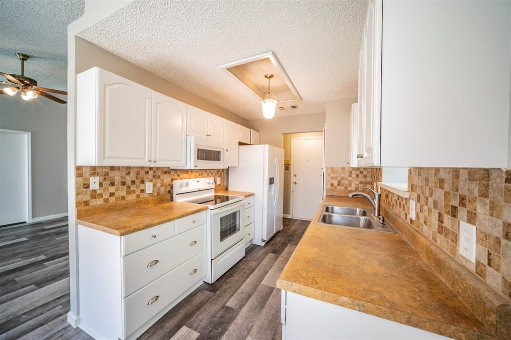 6230 Fernwood  Drive, Arlington, Texas 76001 - acquisto real estate best prosper realtor susan cancemi windfarms realtor