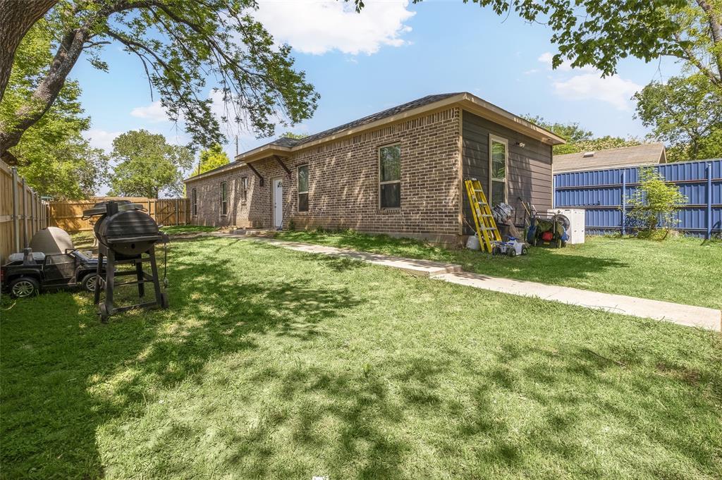 8102 Suetelle  Drive, Dallas, Texas 75217 - acquisto real estate best frisco real estate agent amy gasperini panther creek realtor